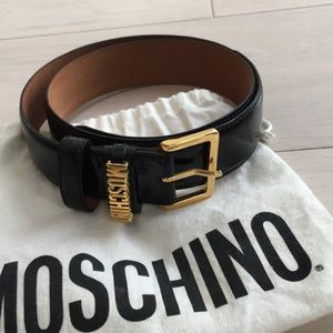 Moschino leather belt with gold accent
